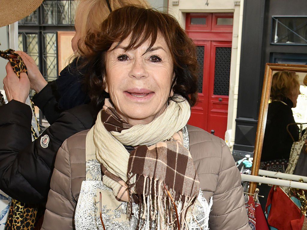 "L'actrice Daniele Evenou assiste à ""Zezette By Montmartre"" : Défilé de mode d'Aprons Place Charles Dullin le 17 avril 2016 à Paris. 