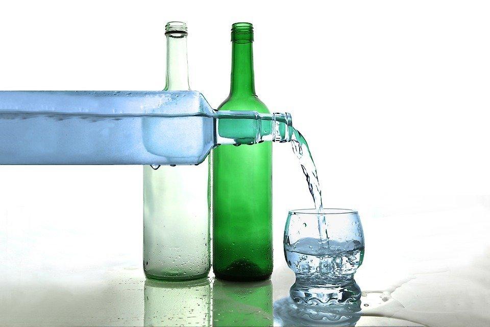 Botellas de agua | Foto: Pixabay
