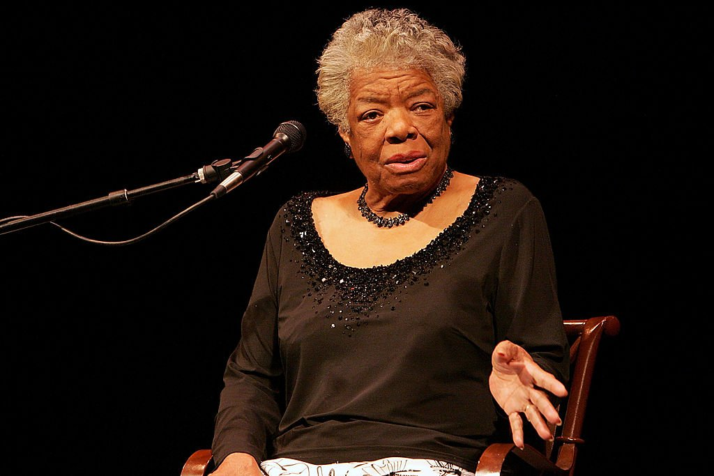Dr. Maya Angelou speaks to a sold out crowd at the Paramount Theater on April 25, 2009. | Photo: Getty Images