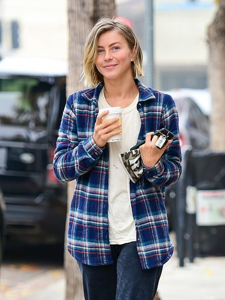 Julianne Hough is seen on December 14, 2019 in Los Angeles, California. | Photo: Getty Images