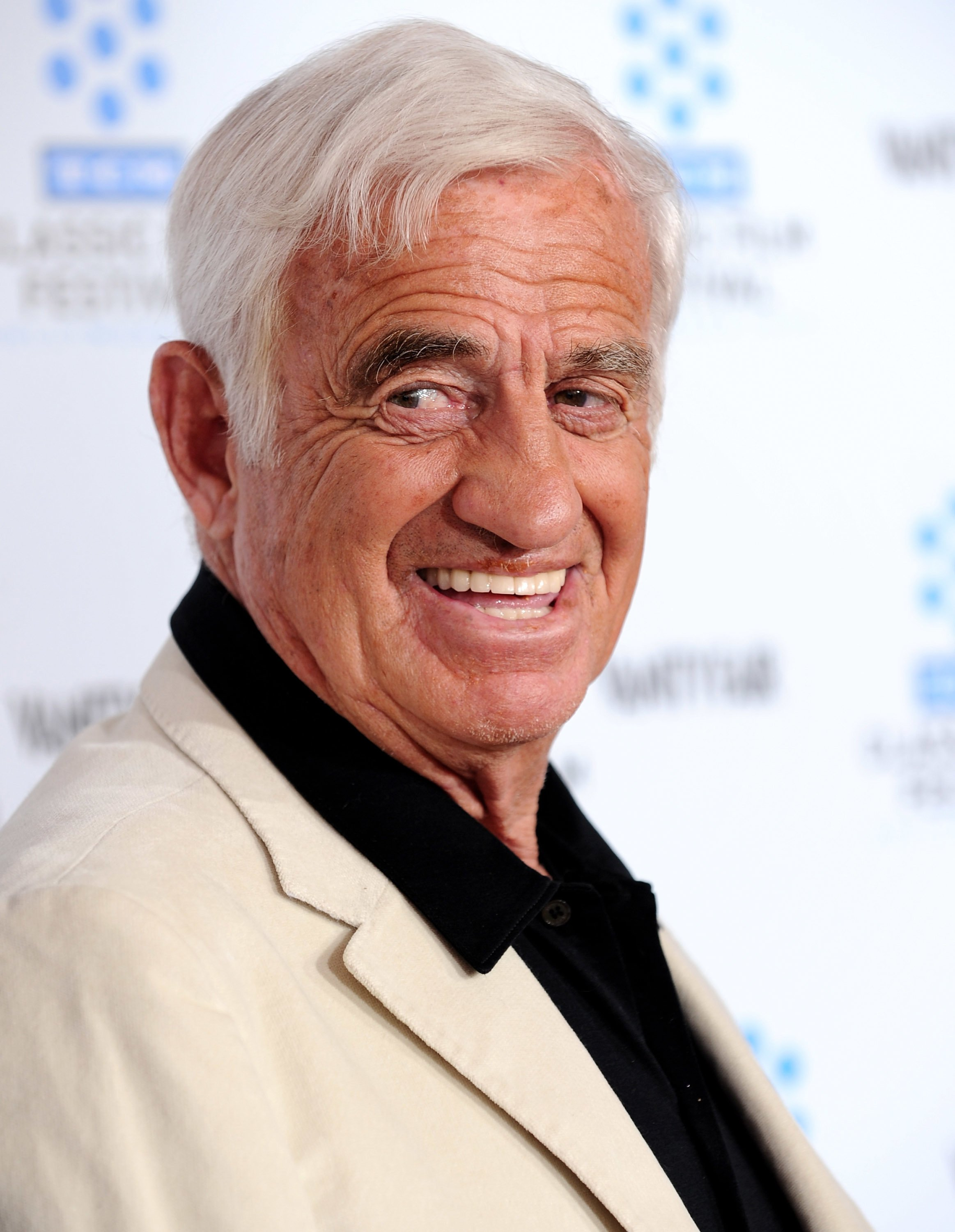 L'acteur Jean-Paul Belmondo au Grauman's Chinese Theatre le 22 avril 2010 à Hollywood, Californie. | Photo : Getty Images