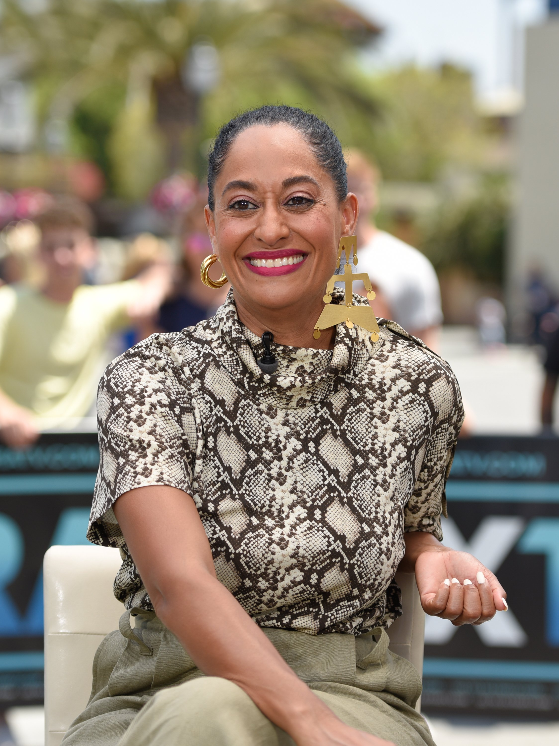 Tracee Ellis Ross visits 'Extra' at Universal Studios Hollywood on July 19, 2018 in California | Photo: Getty Images