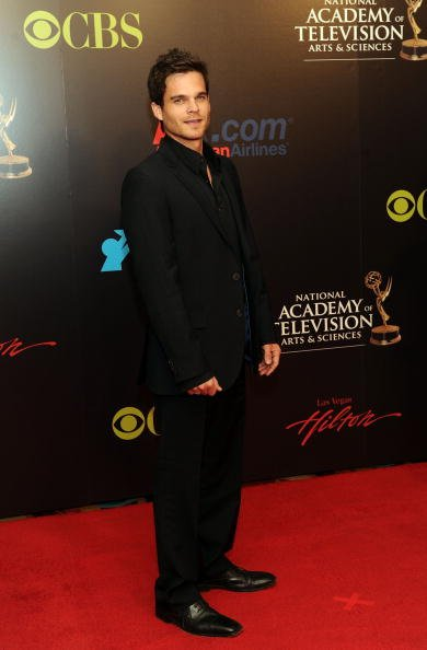 Greg Rikaart arrives at the 37th Annual Daytime Emmy Awards at Las Vegas Hilton on June 27, 2010 in Las Vegas, Nevada. | Photo: Getty Images