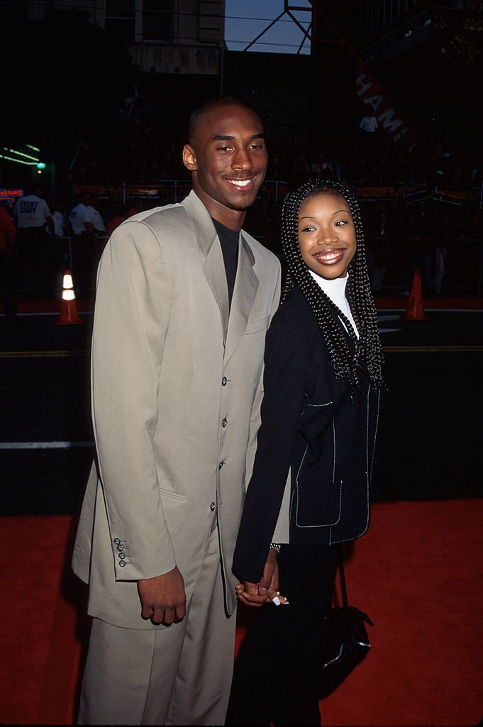 Singer/actress Brandy w. professional basketball player Kobe Bryant in 1996 | Photo: Getty Images