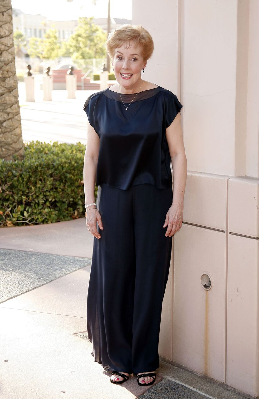 Georgia Engel smiles at an event in a black gown. | Source: Getty Images