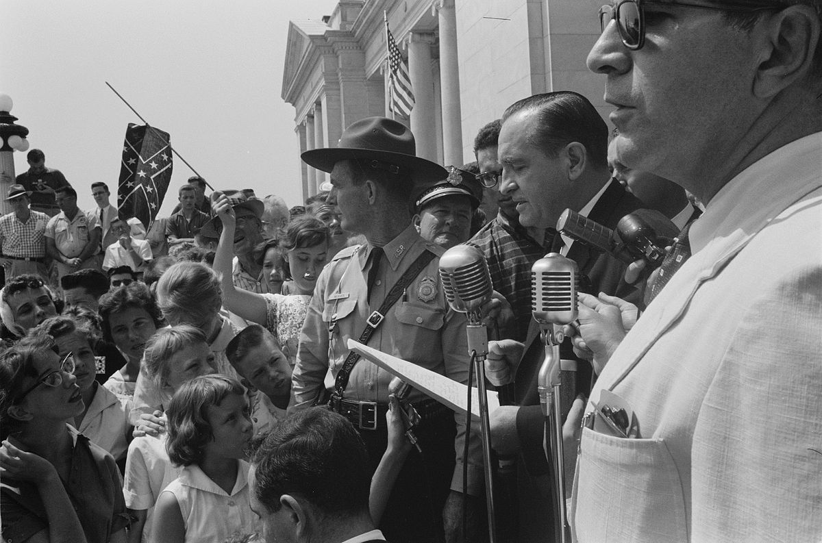 Faubus speaking to a crowd protesting the integration of Little Rock schools. | Photo: Wikimedia Commons Images