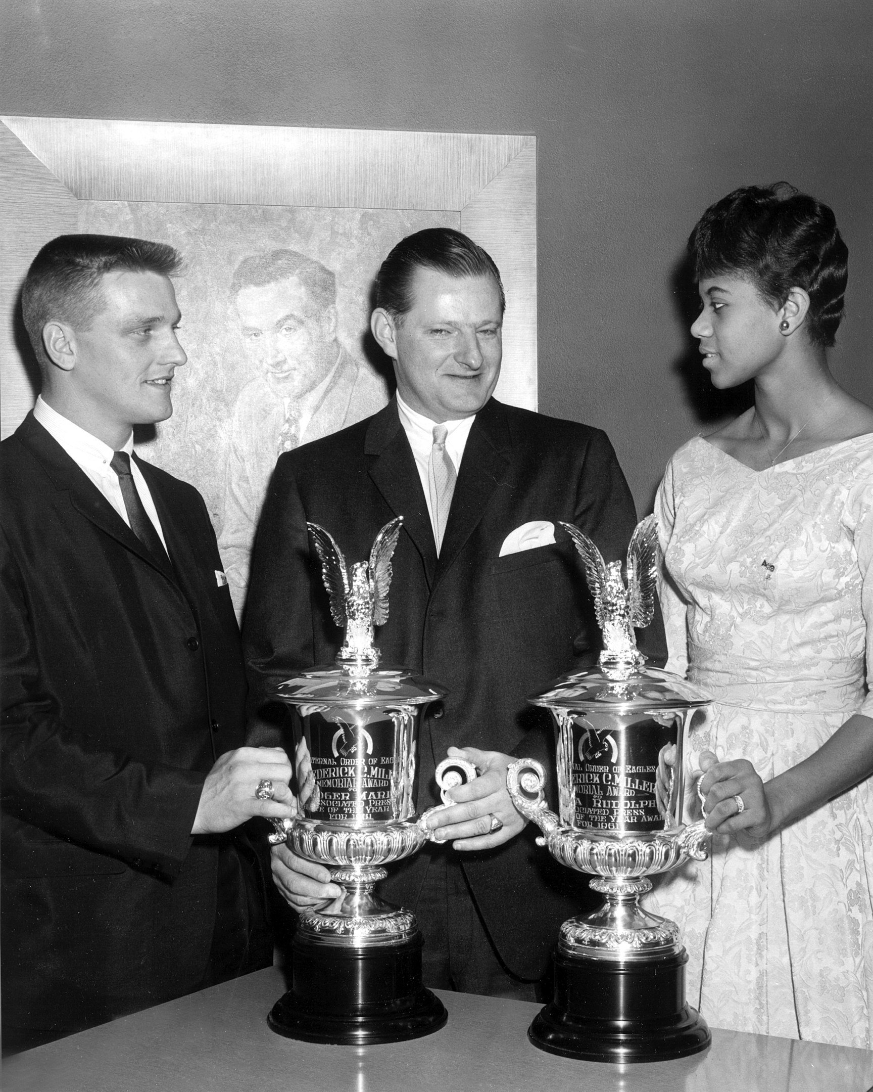 Wilma Rudolph receives the Fraternal Order of Eagles Award 1961 alongside Roger Maris   Photo: Wikimedia Commons Images, CC BY-SA 3.0