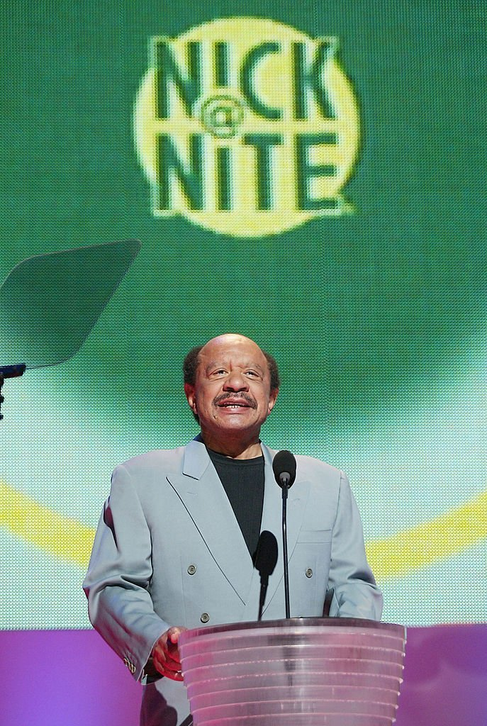 Actor Sherman Helmsley speaks at the MTV Networks Upfront 2003 presentation to advertisers at the Theatre at Madison Square Garden on May 6, 2003. | Photo: Getty Images