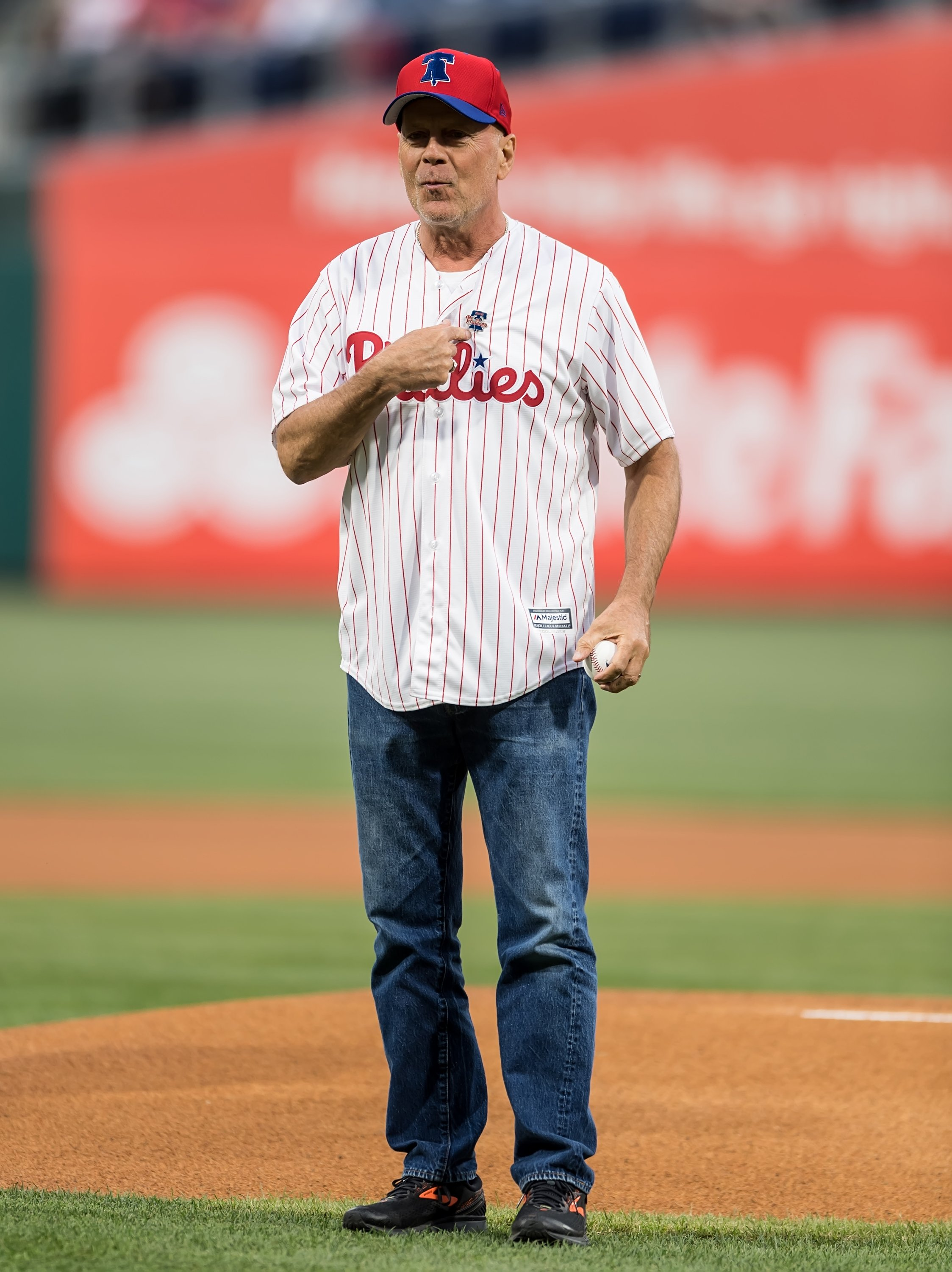 Bruce Willis throws ceremonial pitch at the Milwaukee Brewers v Philadelphia Phillies game at Citizens Bank Park on May 15, 2019, in Philadelphia, Pennsylvania. | Source: Getty Images.