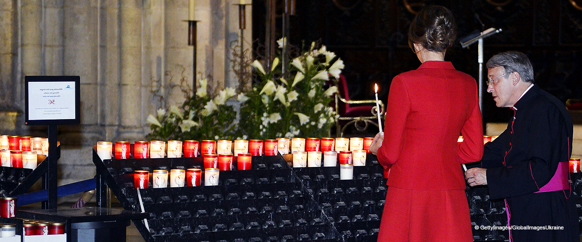 Melania Trump Prays for the People of Paris after Fire Ravages Notre Dame