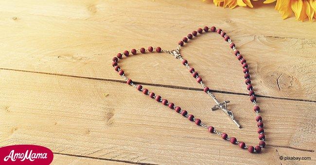 Aquí está la razón por la que siempre debes tener un rosario bajo tu almohada