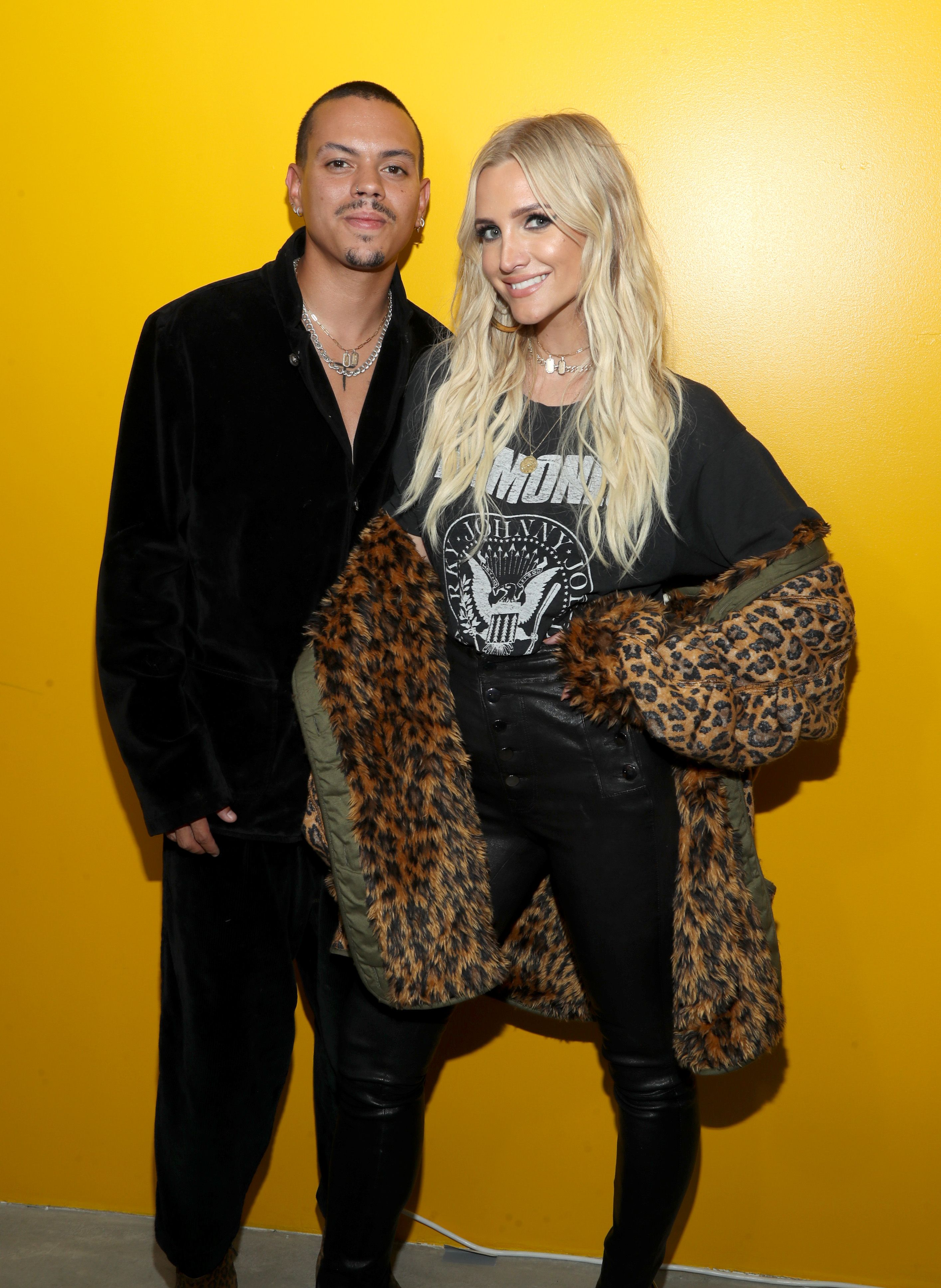 "Ashlee Simpson Ross  and husband Evan Ross at the Talent Resources Presents Airgraft's ""The Art Of Clean Vapor"" in 2019 