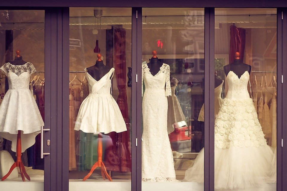 In the bridal shop   Source: Pixabay