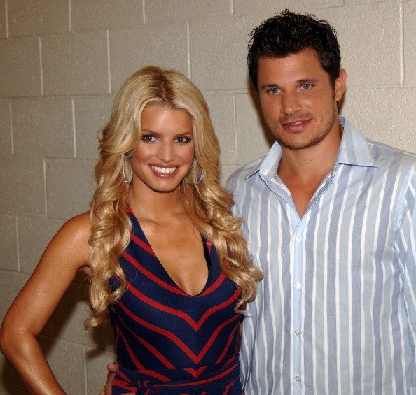 Jessica Simpson and Nick Lachey during  Pre-Game Performance at FedEx Field. | Photo:Getty Images
