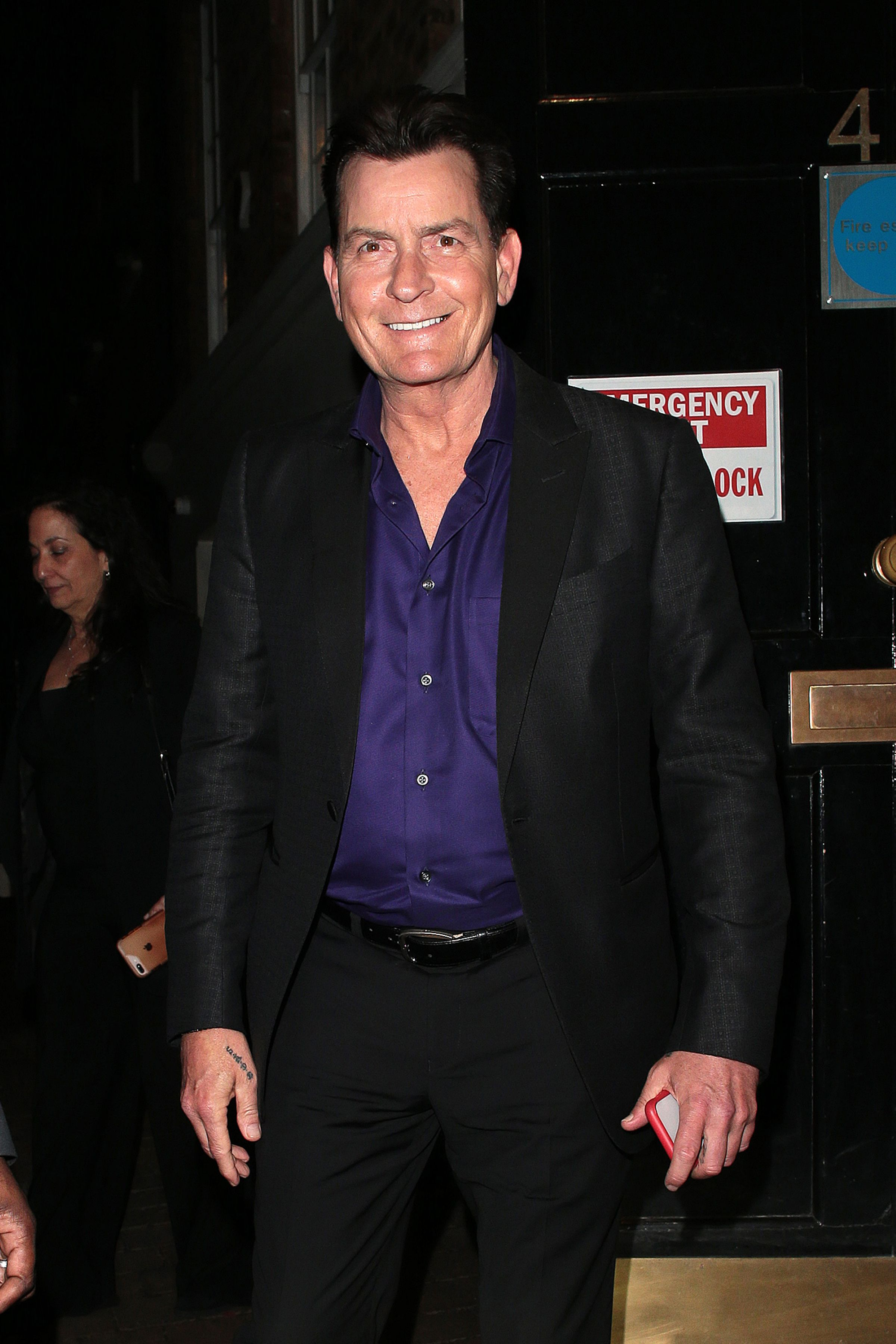 Charlie Sheen leaving Annabel's after Q&A to discuss his life and career in London, England   Photo: Getty Images