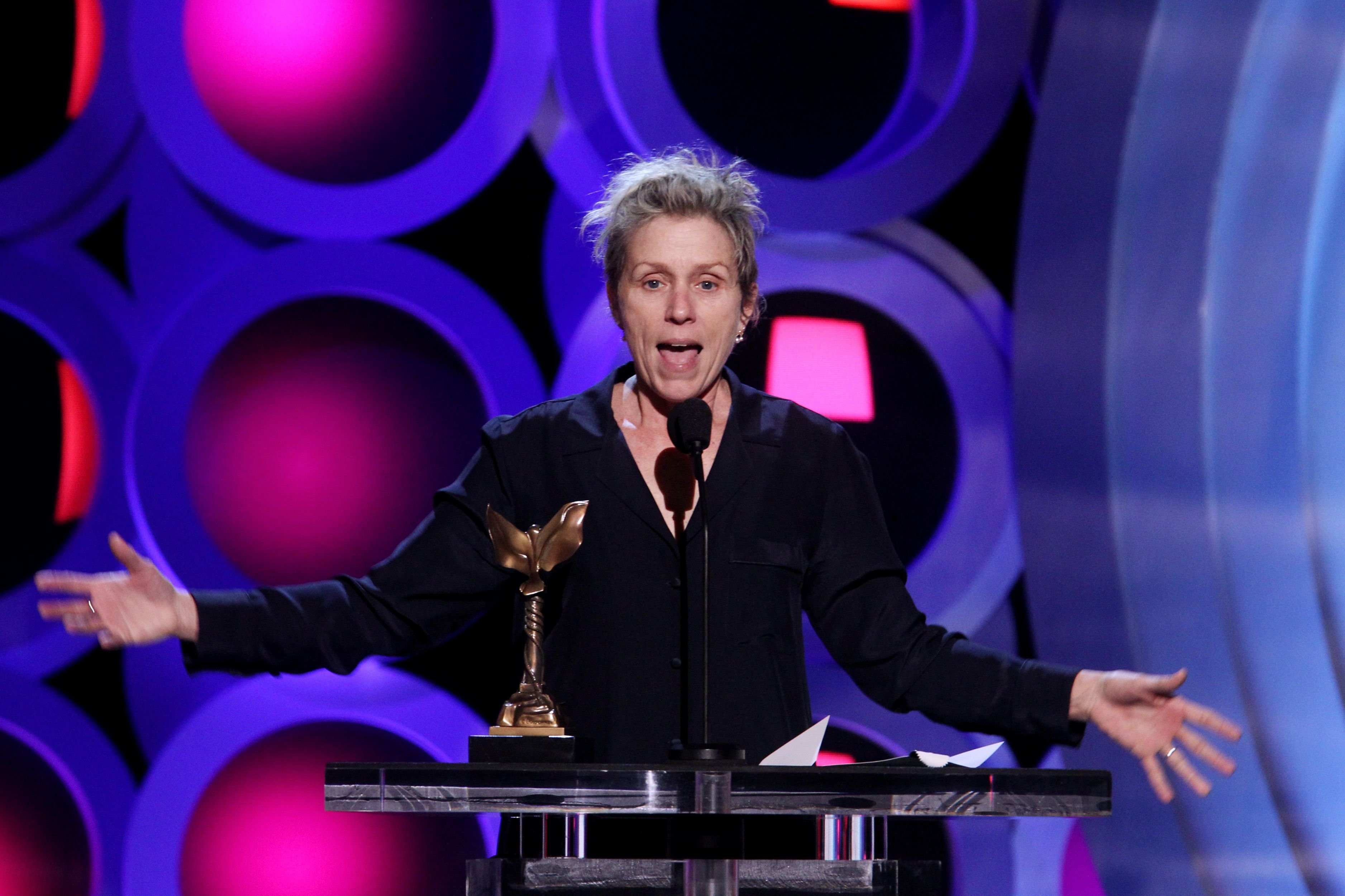 Frances McDormand accepts Best Female Lead onstage during the 2018 Film Independent Spirit Awards on March 3, 2018 | Photo: Getty Images