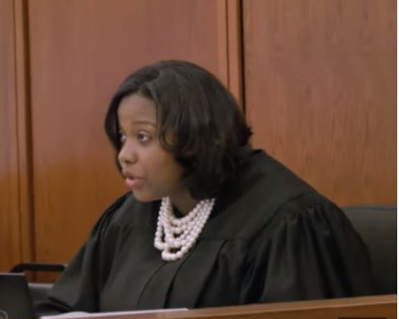 Chief Judge Tiffany Sellers in a court room | Photo: Youtube / VICE News