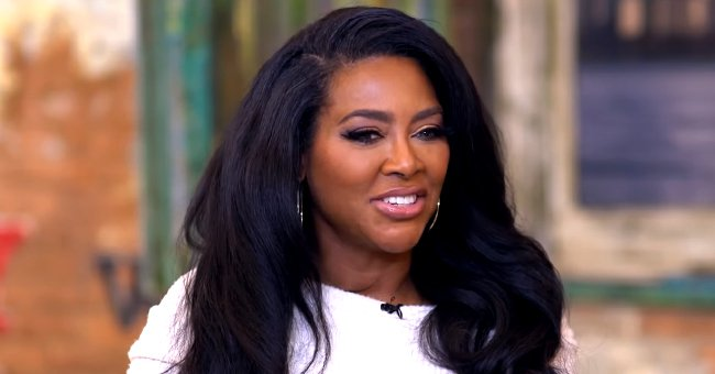 RHOA's Kenya Moore Shows Her Hourglass Figure in a Pink Dress as Fans Gush over Her Hair Color