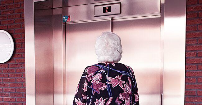 Daily Joke: Old Italian Lady Takes Her Revenge on the Arrogant Women She Met in the Elevator