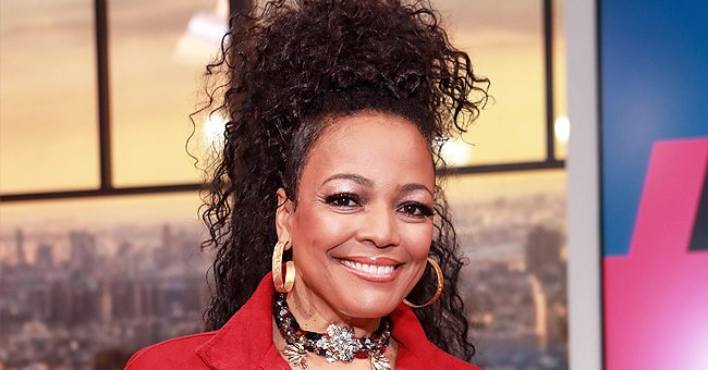 Kim Fields' Look-Alike Sister Alexis Stuns Showing Her Glowing Skin in a Knitted Dress (Photo)