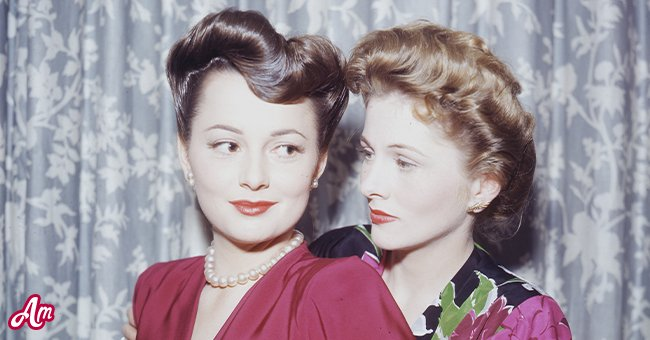 Actress Olivia de Havilland (left) with her sister, actress Joan Fontaine, circa 1945. | Source: Getty Images