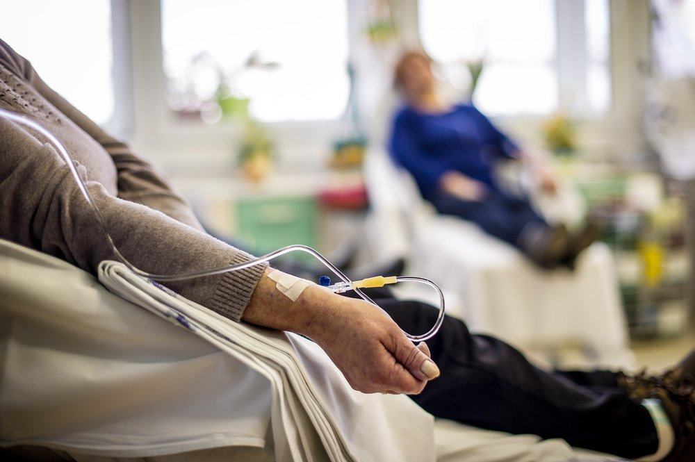 Cancer patients receiving chemotherapy treatment in a hospital   Photo: Shutterstock/goodbishop