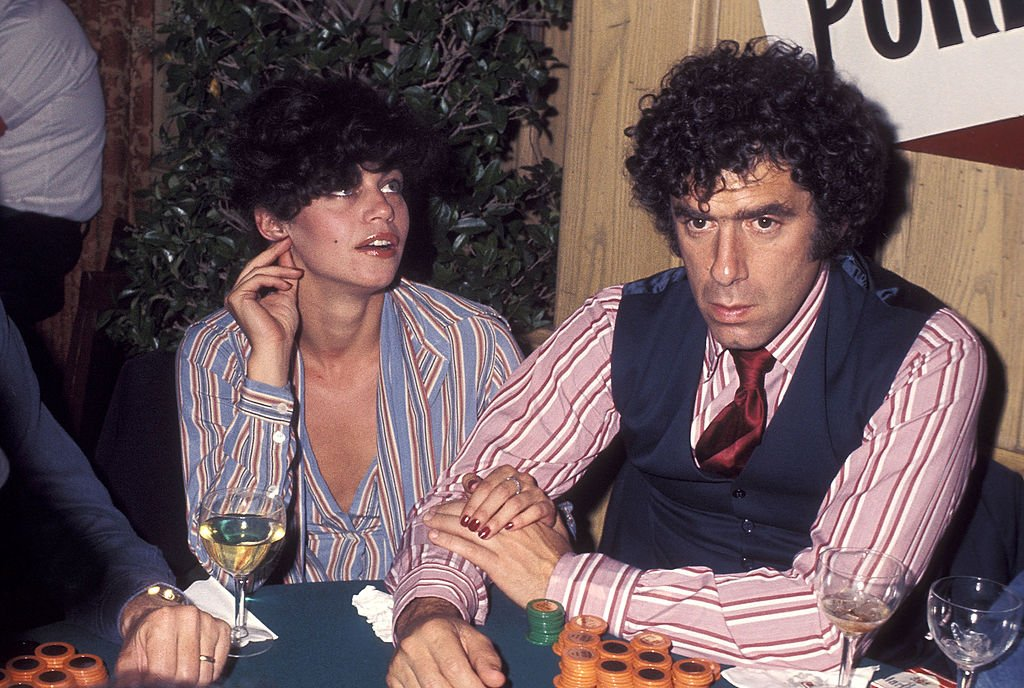 """Elliott Gould and wife Jennifer Bogart at the """"Sting"""" Trophy Poker Championship on May 25, 1977 