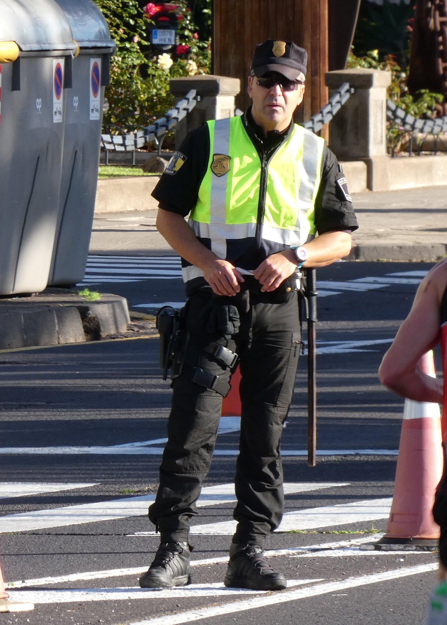 Oficial de policía local.   Imagen: Flickr