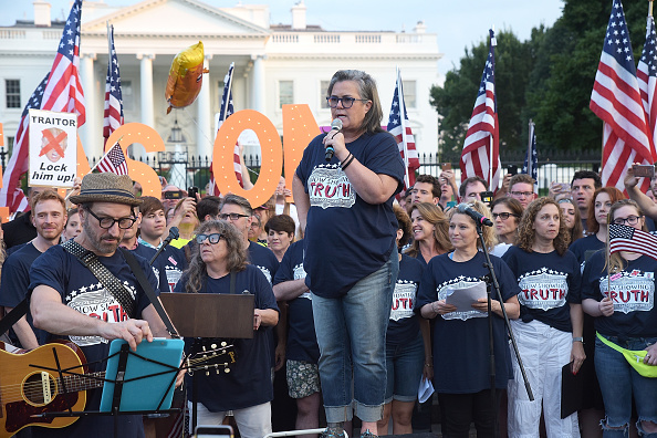 Rosie O'Donnell speaks at the #KremlinAnnex singing protest in front of the White House on August 6, 2018 | Photo: Getty Images
