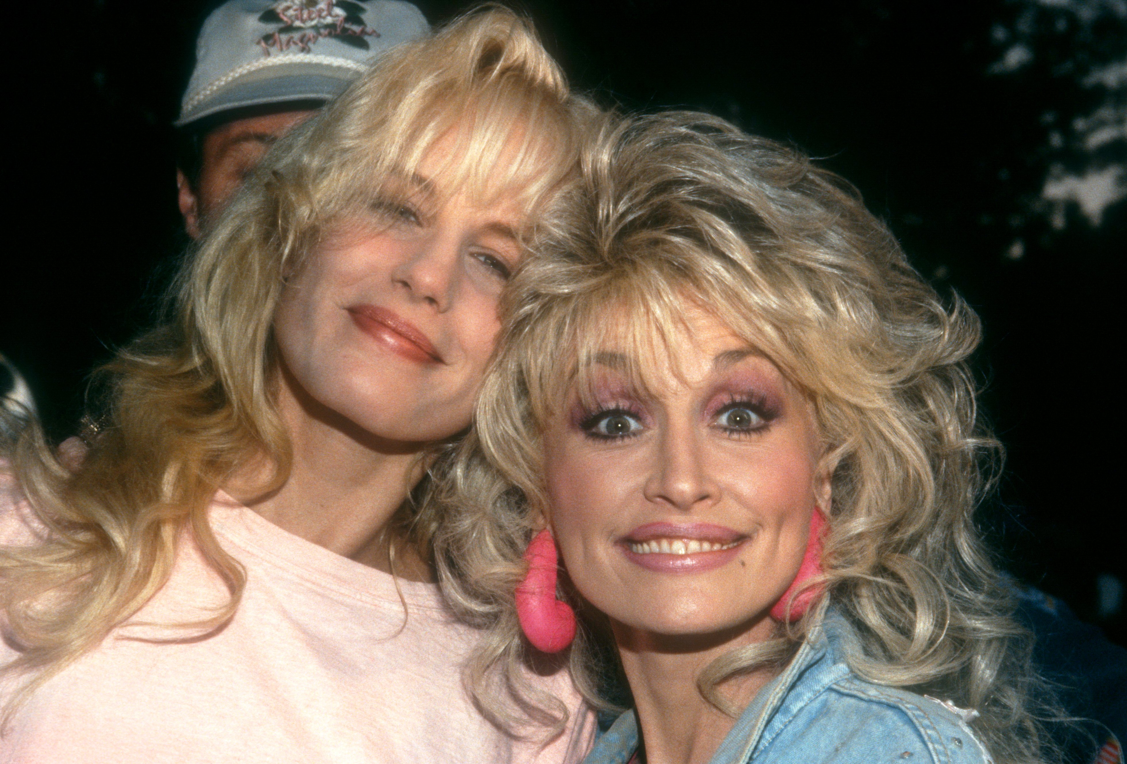 """Dolly with her good friend, Darryl Hannah, at the """"Steel Magnolias"""" Natchitoches premiere onNovember 10, 1989.   Photo: Getty Images"""