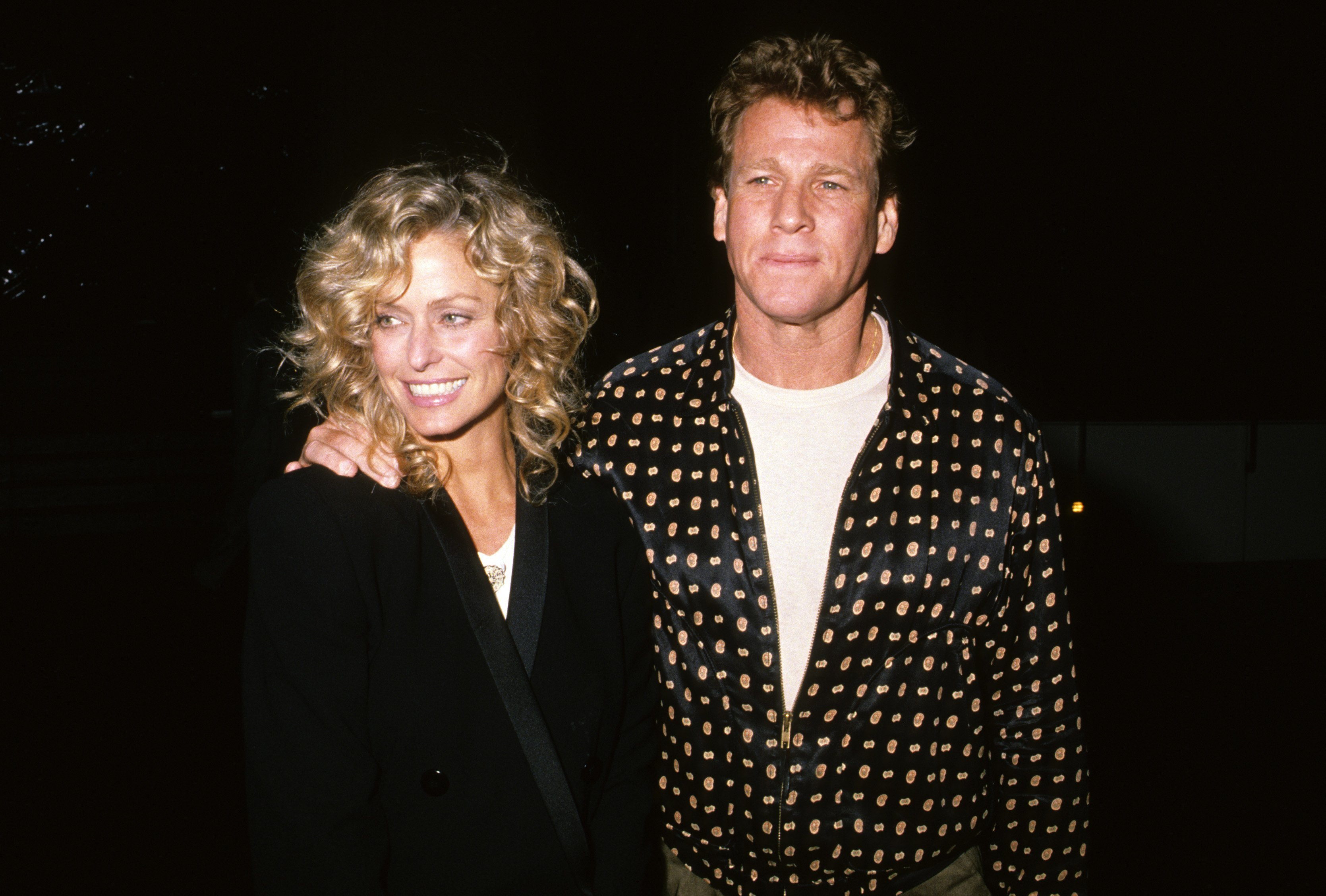 A snapshot of Farrah Fawcett and Ryan O'Neal from March 1989. | Source: Getty Images