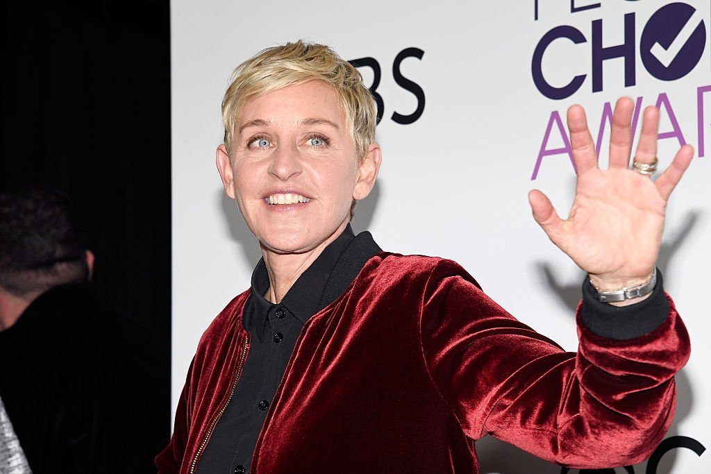 Ellen Degeneres, winner of mulitple awards, poses in the press room during the People's Choice Awards 2017 at Microsoft Theater  | Photo: Getty Images