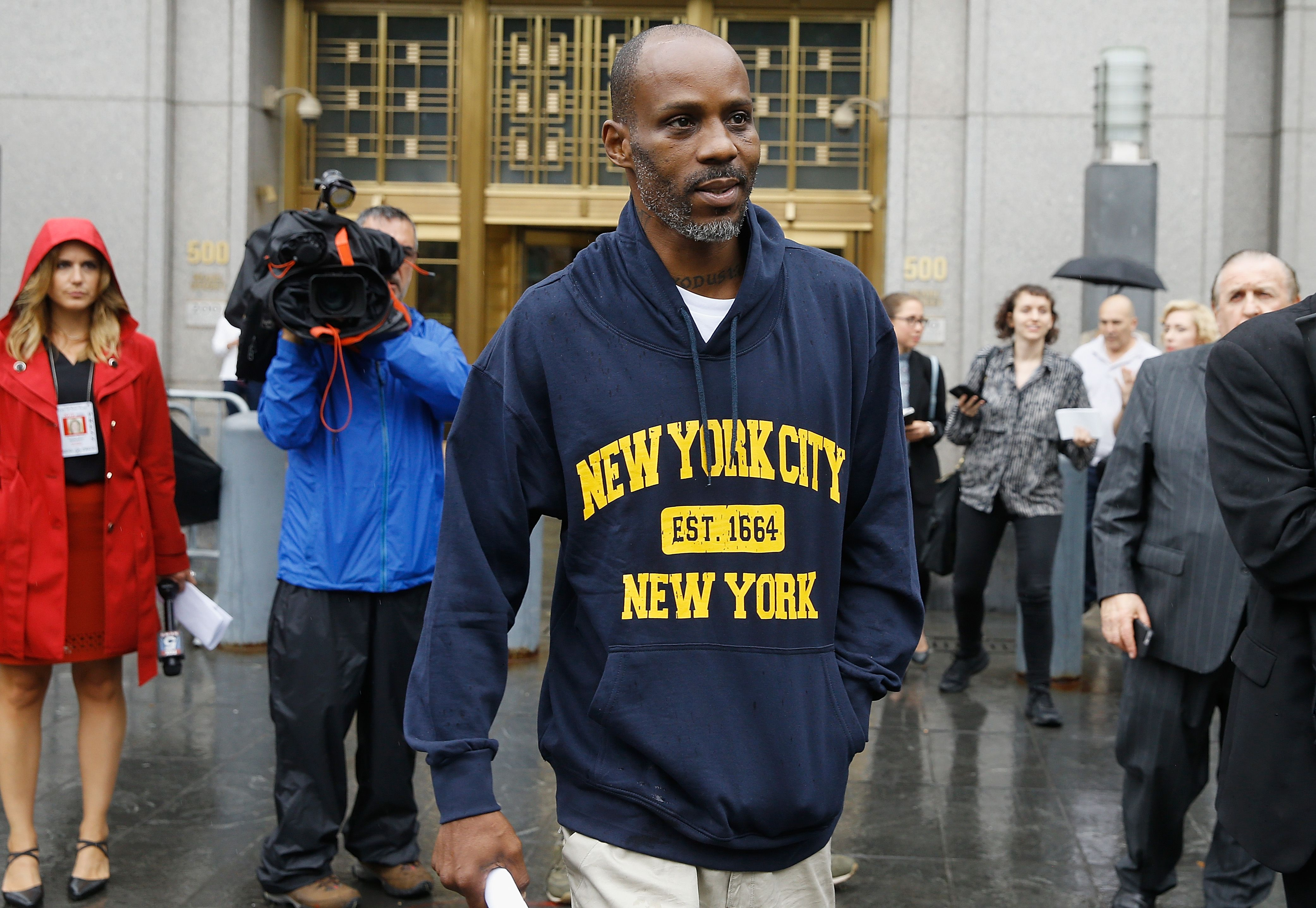 Rapper DMX leaving the courthouse after his tax evasion charges back in 2017, in New York City | Photo: John Lamparski/Getty Images