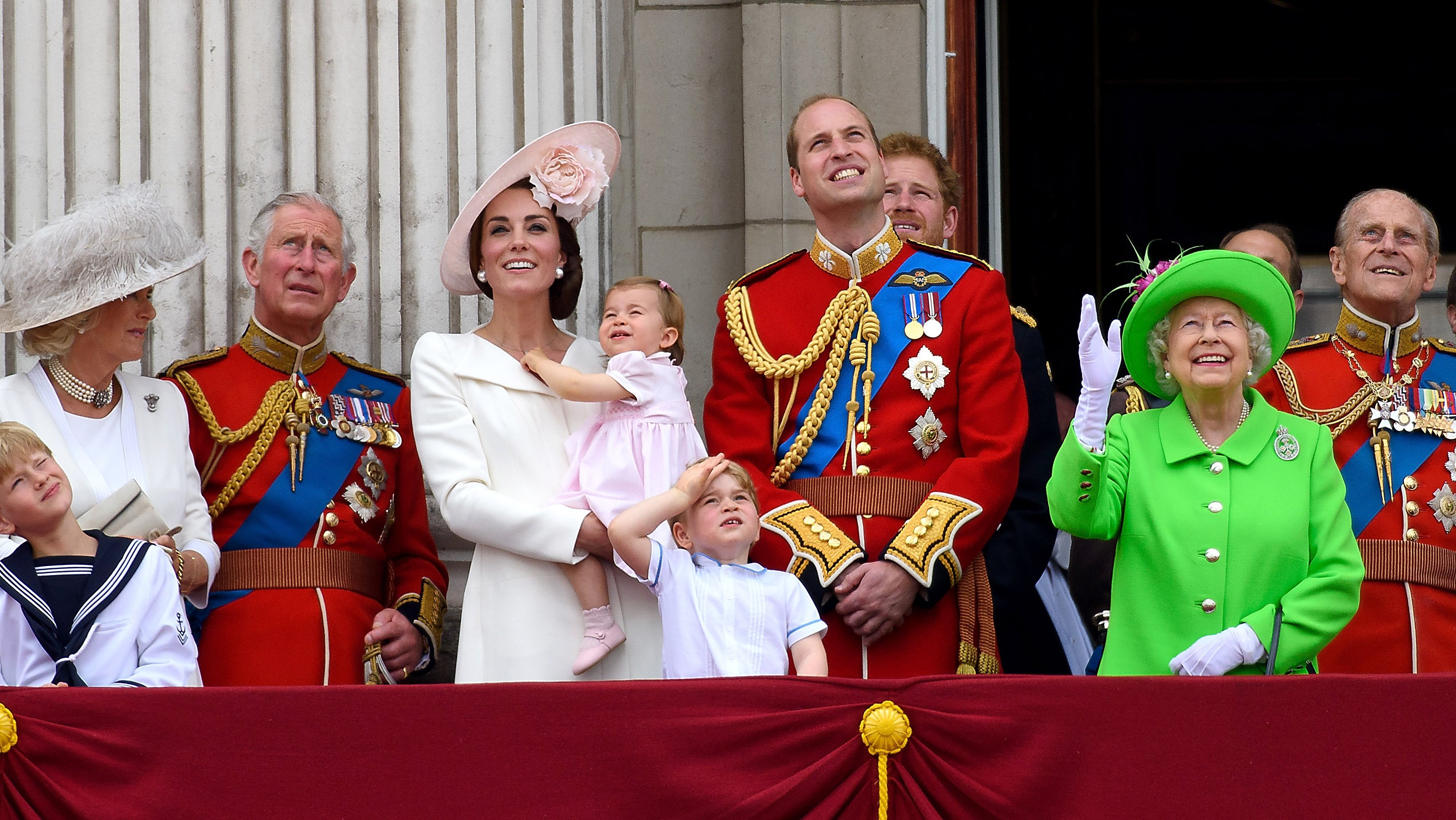 Senior members of the royal family stand on the balcony during the Trooping the Colour on June 11, 2016, in London, England. | Source: Getty Images.