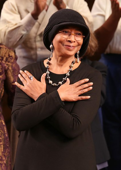 Alice Walker at the Opening Night Performance Curtain Call for 'The Color Purple' on December 10, 2015 | Photo: Getty Images