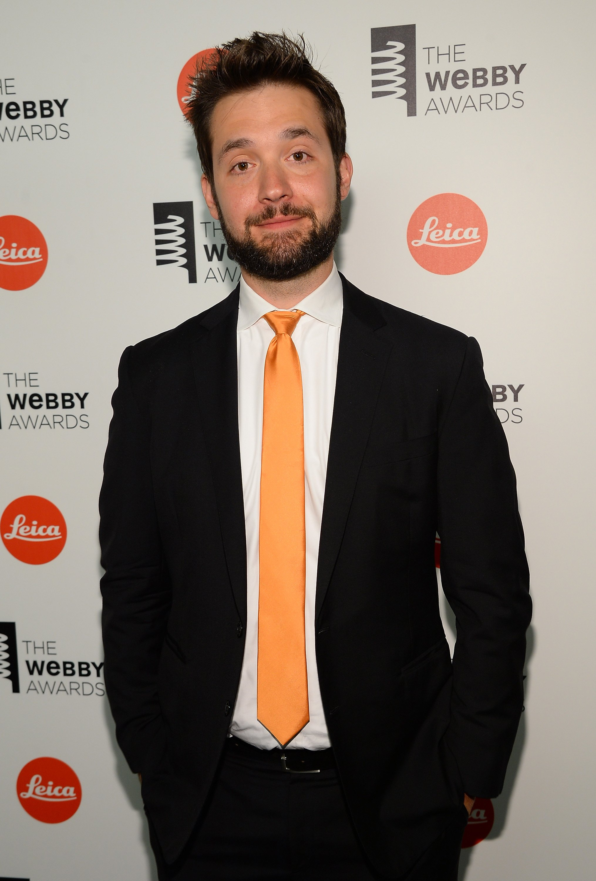 Alexis Ohanian poses backstage at the 18th Annual Webby Awards on May 19, 2014 | ¨Photo: GettyImages