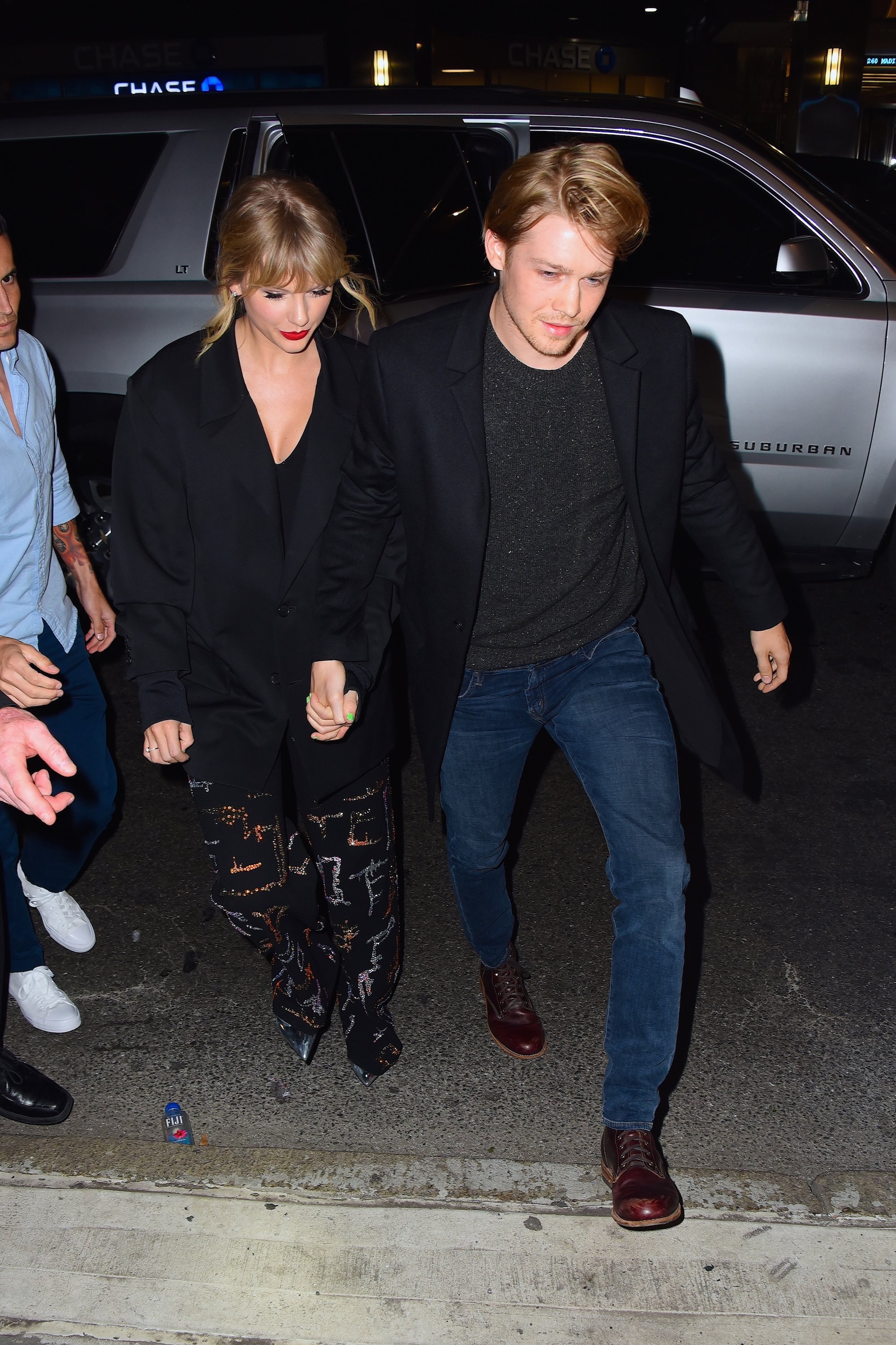 Taylor Swift und Joe Alwyn besuchen die Afterparty von Saturday Night Live im Restaurant Zuma am 6. Oktober 2019 in New York City. | Quelle: Getty Images
