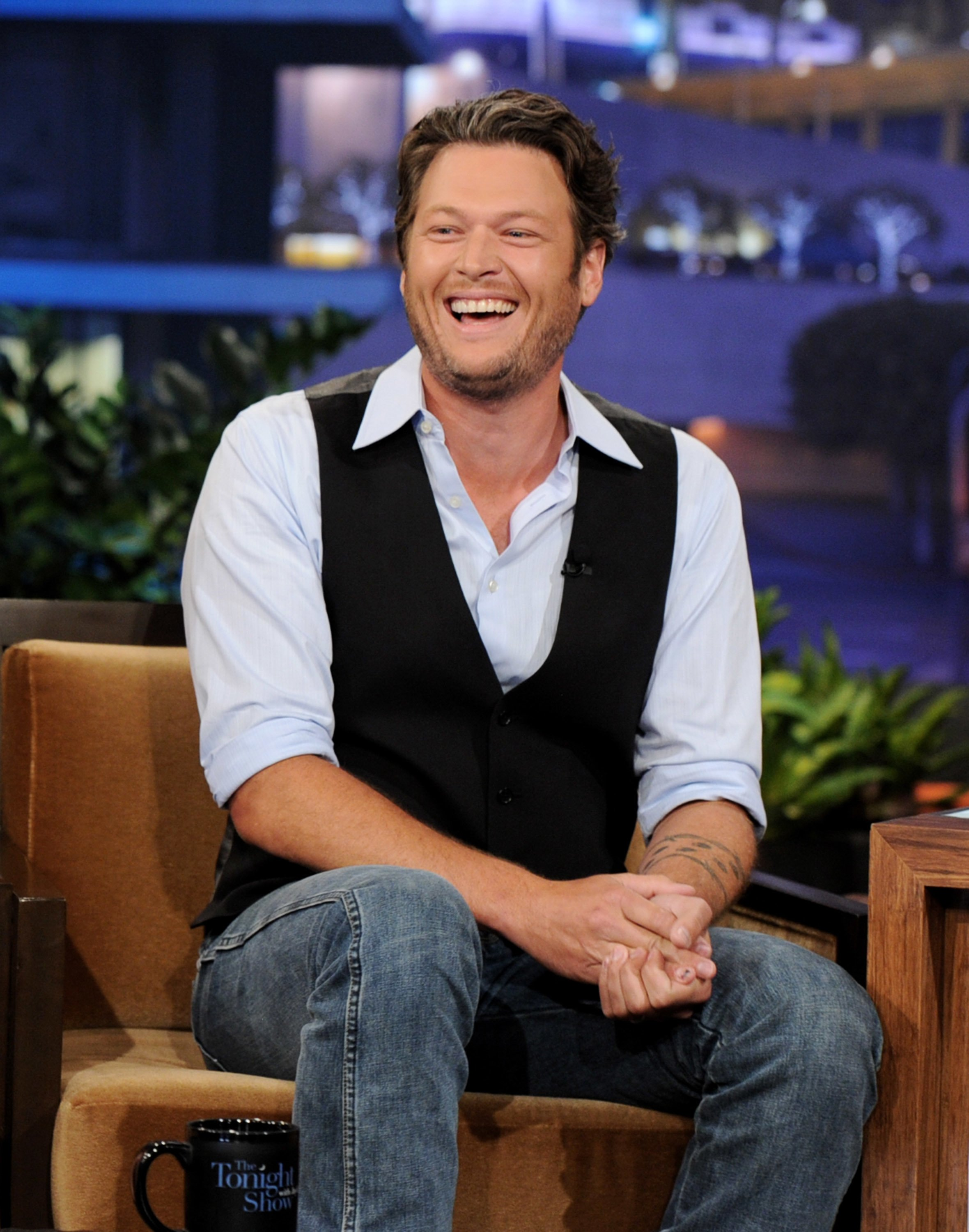 Singer Blake Shelton appears on the Tonight Show with Jay Leno at NBC Studios on June 15, 2011 | Photo: Getty Images