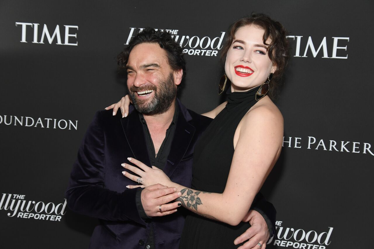 Johnny Galecki and Alaina Meyer attend the Sean Penn CORE Gala at The Wiltern on January 5, 2019. | Photo: Getty Images