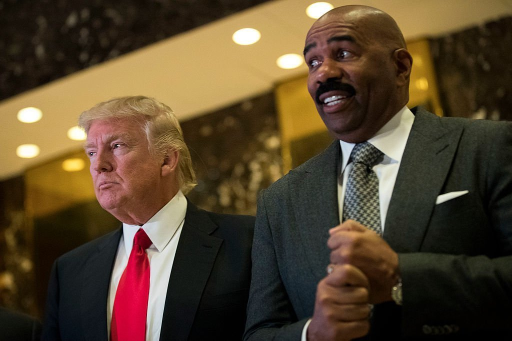 Steve Harvey speak to reporters after their meeting at Trump Tower, January 13, 2017. | Photo: GettyImages/Global Images of Ukraine