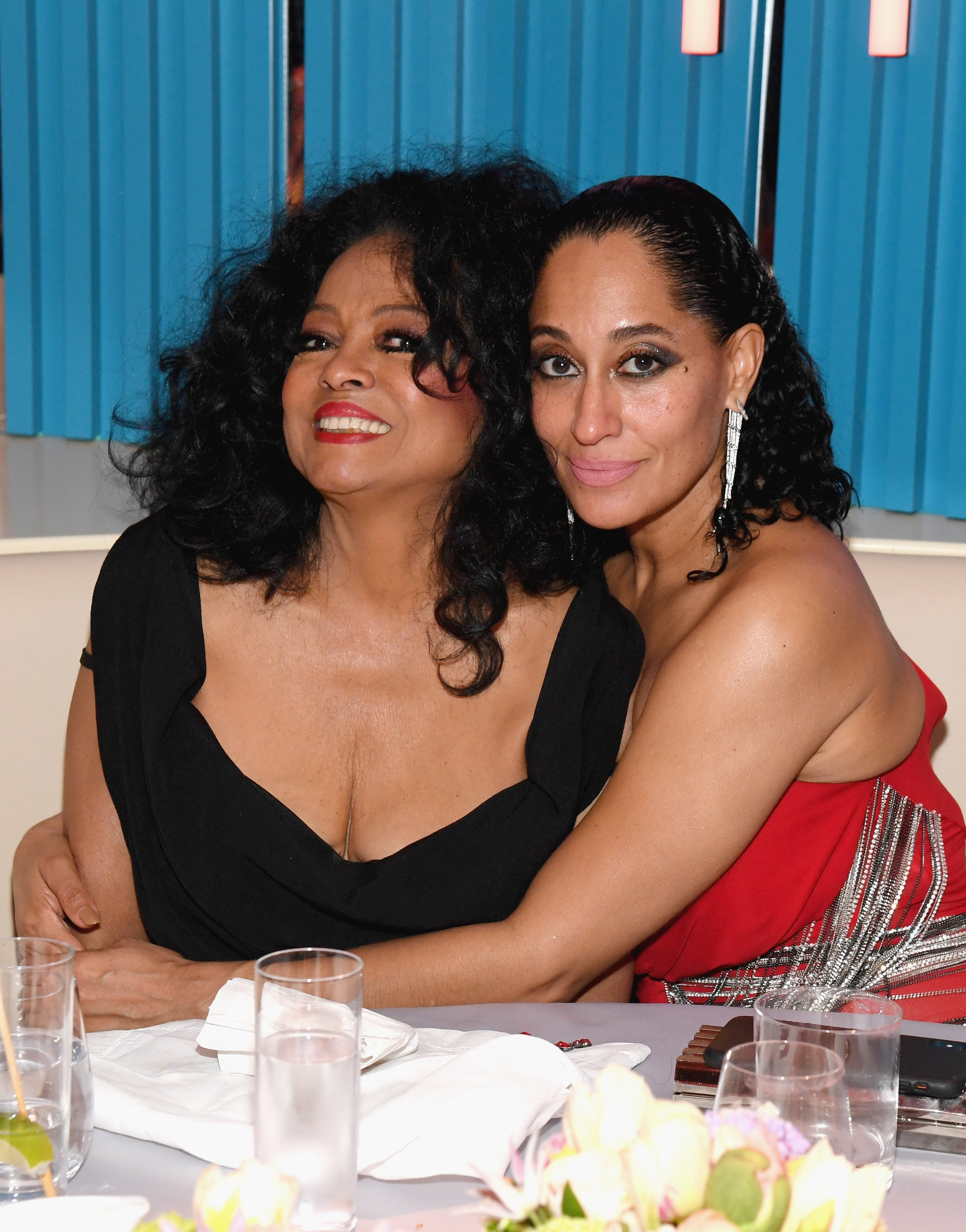 Tracee Ellis Ross hugging her mother, Diana Ross at the 2019 Vanity Fair Oscars Party on February 24, 2019 in Beverly Hills, California. | Photo: Getty Images