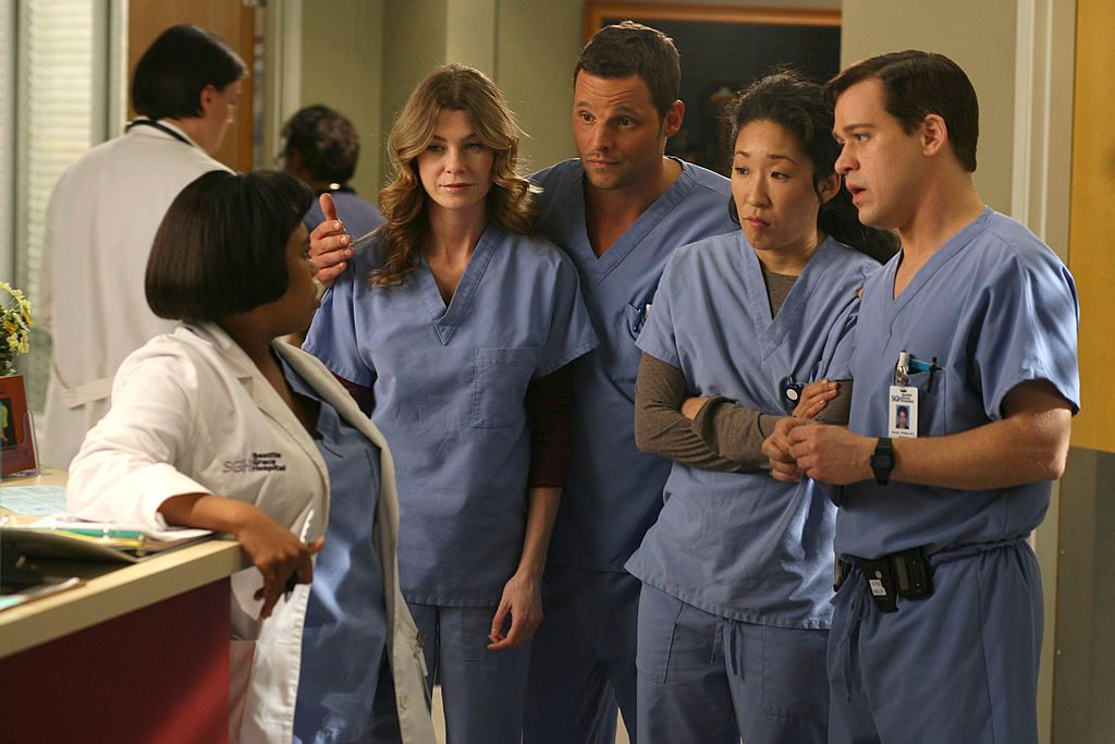 """The cast of """"Grey's Anatomy"""" on set. 