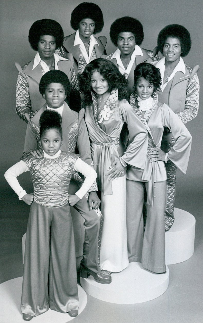 The Jackson siblings, with a little Janet at the front. I Image: Wikimedia Commons.