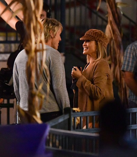 "Owen Wilson and Jennifer Lopez on location for ""Marry Me"" at Deno's Wonder Wheel Amusement Park on October 1, 2019 