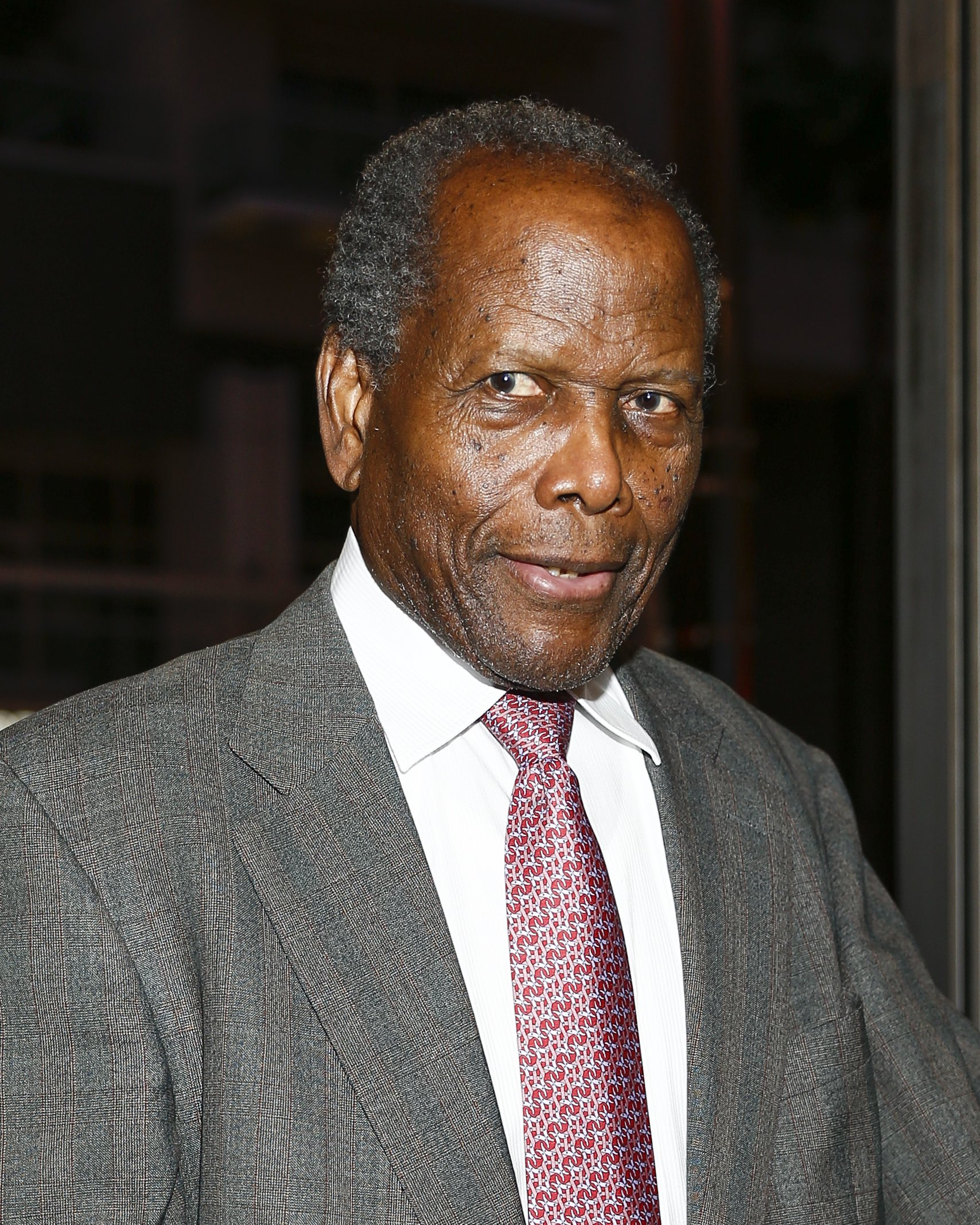 Sidney Poitier attends 'MOTOWN THE MUSICAL' at the Pantages Theatre on April 30, 2015. | Photo: GettyImages