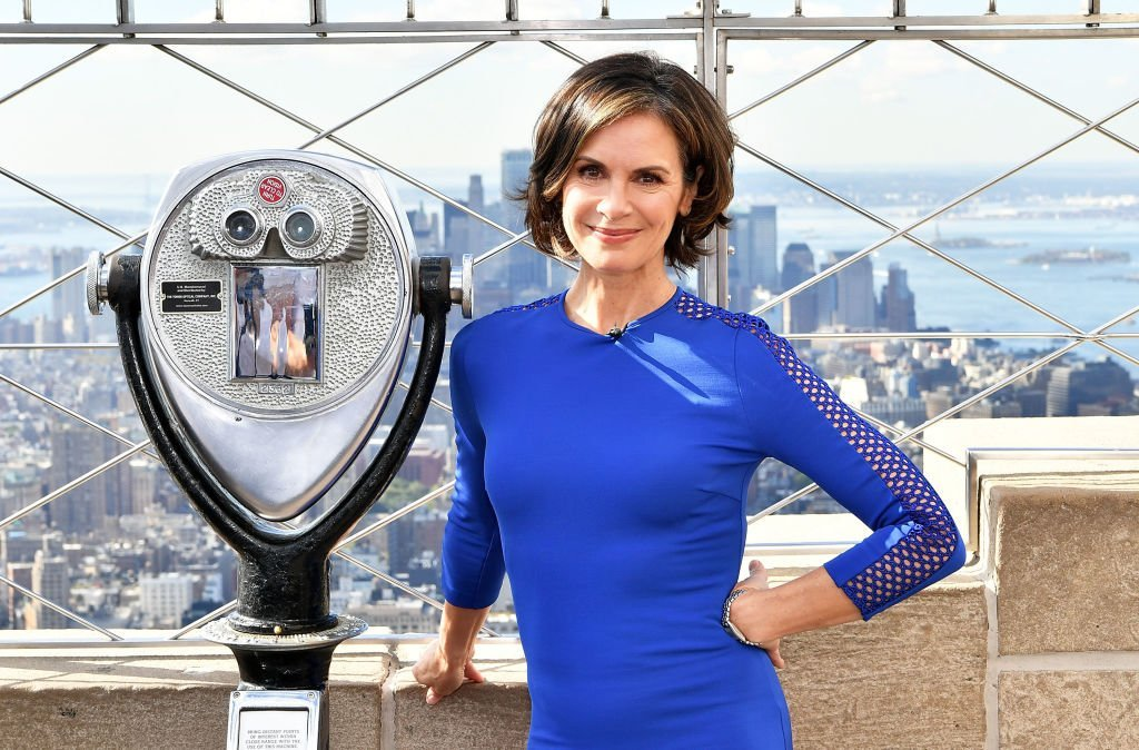 "Elizabeth Vargas visits The Empire State Building to celebrate the 40th season of ABC's ""20/20"" at The Empire State Building on September 29, 2017 