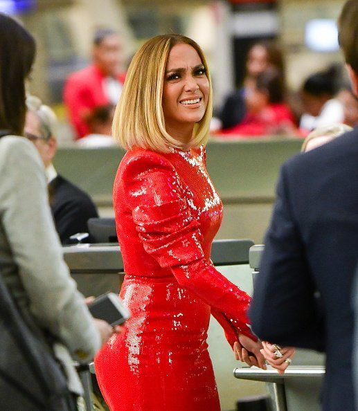 Jennifer Lopez on location for 'Marry Me' at JFK Airport on November 8, 2019 | Photo: Getty Images