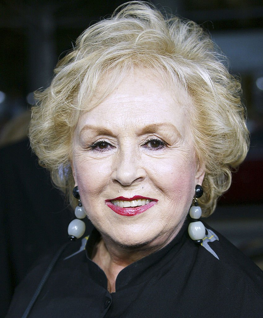 Doris Roberts attends the film premiere of The Longest Yard at Graumans Chinese Theater  | Getty Images / Global Images Ukraine