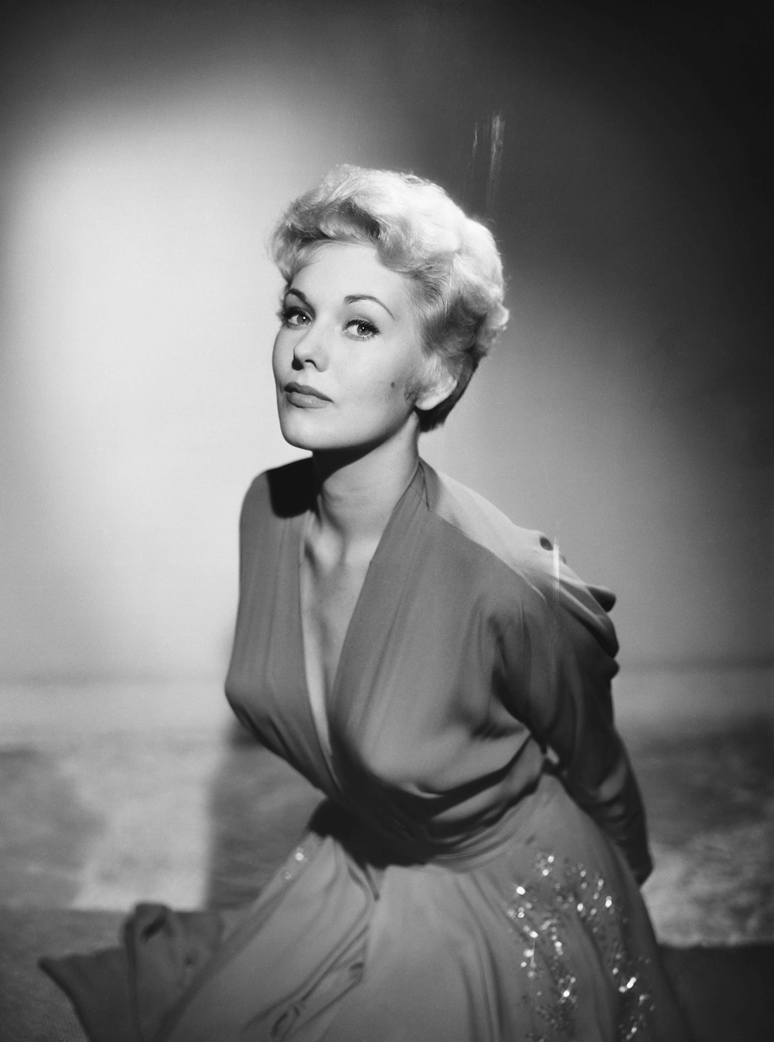 Kim Novak photographed by Baron, 1954.  Source: Getty Images