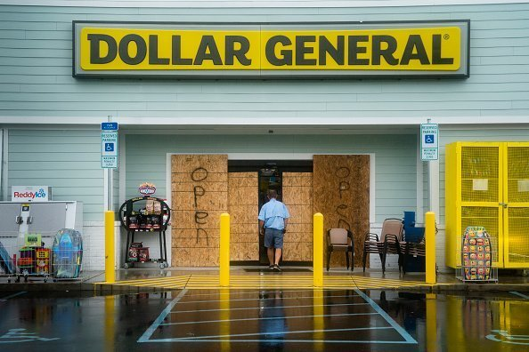 A man walks into a Dollar General on Wednesday, September 4, 2019 in Carolina Beach, N.C. | Photo: Getty Images